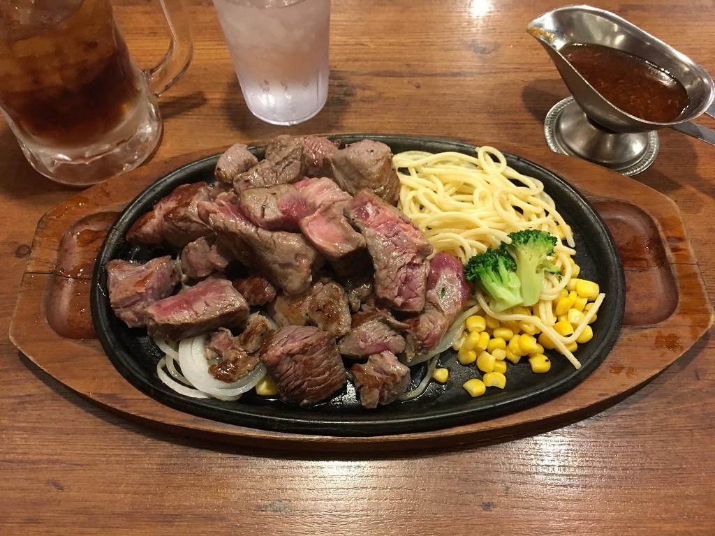 ヒーローズ 秋葉原店 サイコロステーキ 1ポンド(2017年4月)